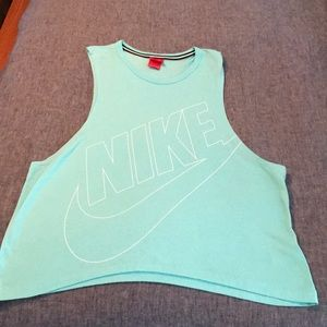 Nike M workout muscle tee.